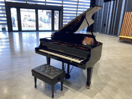 信毎メディアガーデンのホールでピアノを弾いてみませんか?